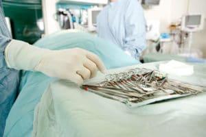 חדר ניתוח של אורטופד לכלבים